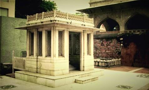 Ghalib tomb