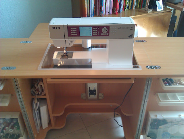 Maquina de coser buscar mueble para maquina de coser for Mueble organizador de costura