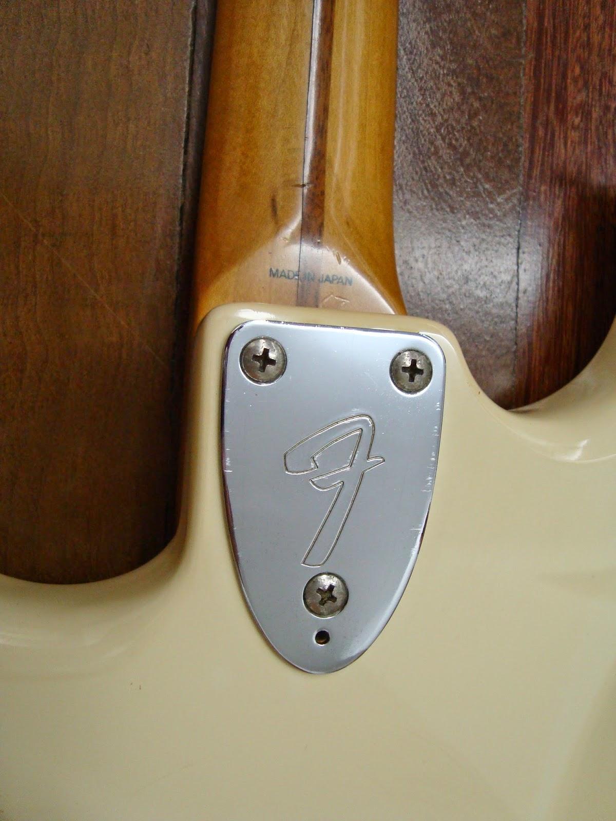 Autenticidade dos baixos Fender - Dúvidas e etc... DSC08488