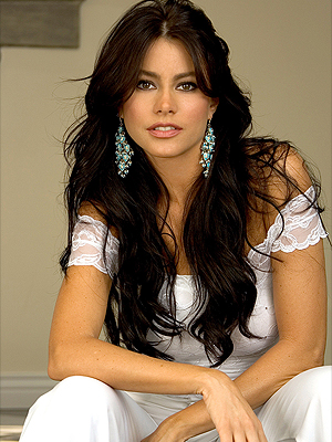 bergara gay personals Sofia vergara struts her stuff in slashed jeans and roles after coming out as gay because she reveal they're dating three years after bachelor in.