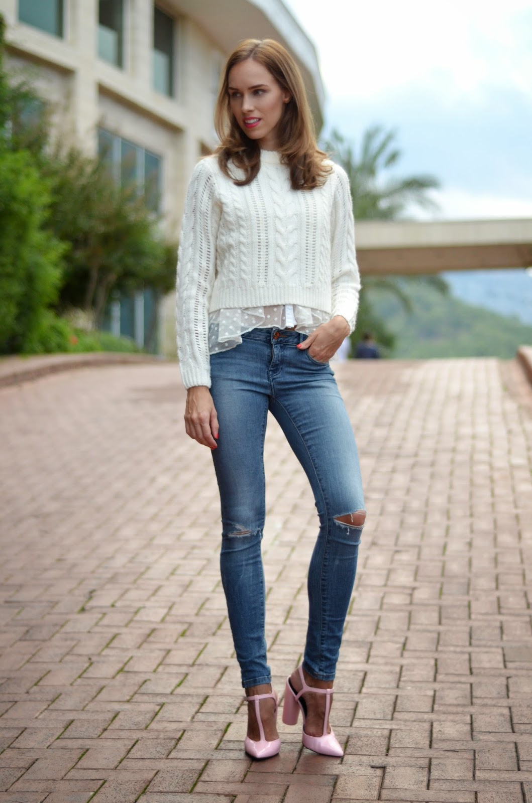 blue-jeans-white-shirt-outfit-fashion kristjaana mere