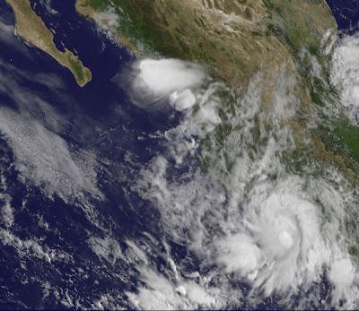 Pazifik aktuell: Tropische Tief 8-E - Regen und Wind in Süd-Mexiko (Guerrero, Colima und Michoacán), Zihuatanejo, Ixtapa, Mexiko, Pazifik, Guerrero, Michoacán, Colima, 2011, 2011, Satellitenbild Satellitenbilder, Verlauf, August, September,