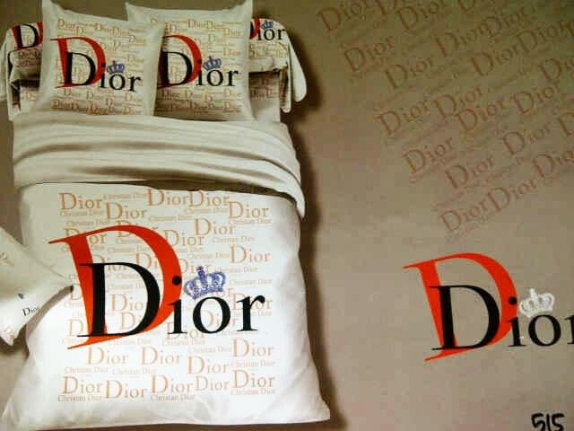 Sprei Jepang Motif Dior