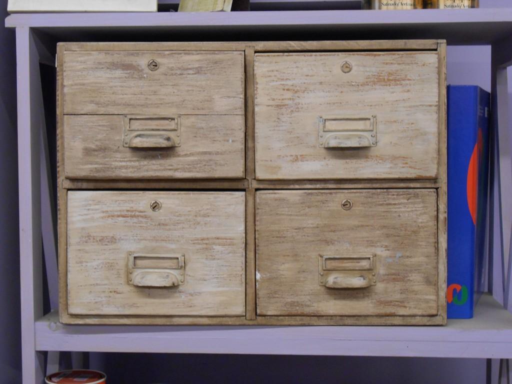 Candini muebles pintados nuevos y redecorados decapado - Decapado de muebles ...