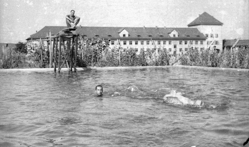 Image result for piscina para prisioneiros auschwitz