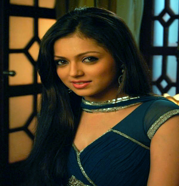 Indian TV Actress Drashti Dhami Biography, age, height, Weight, Bra