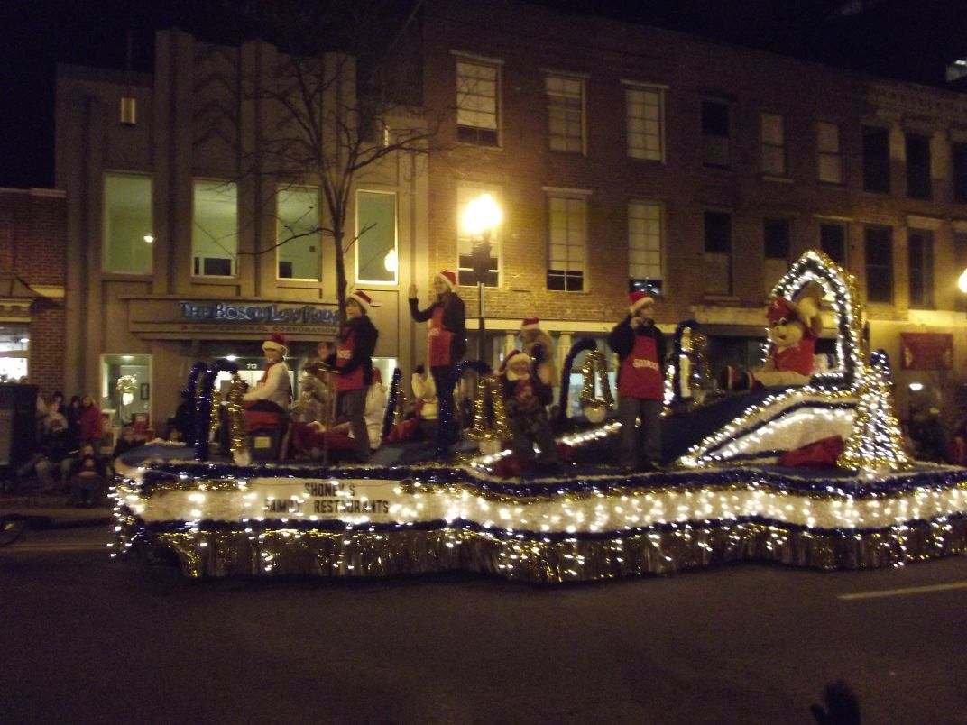 8 best float 2011 knoxville christmas parade