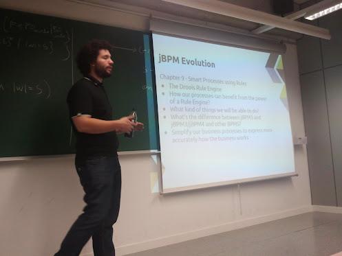 Mauricio Salatino en su exposición sobre jBPM y Drools al BarcelonaJUG