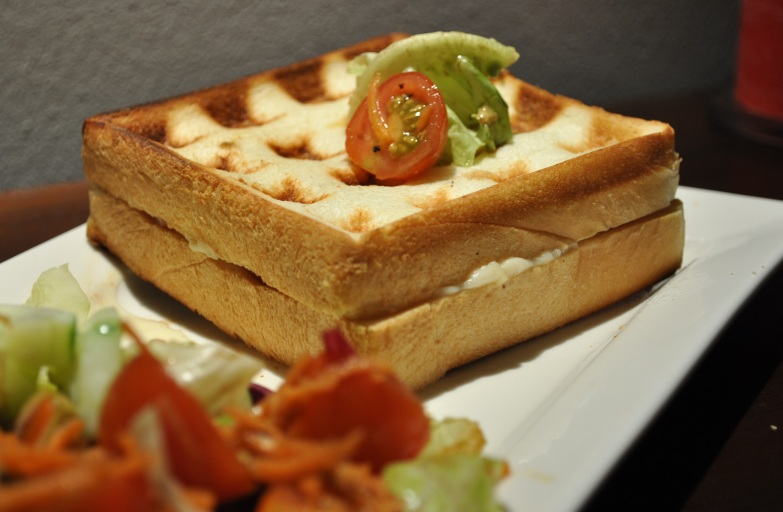 ma tambouille a singapour croque monsieur qui se prend pour une gaufre. Black Bedroom Furniture Sets. Home Design Ideas