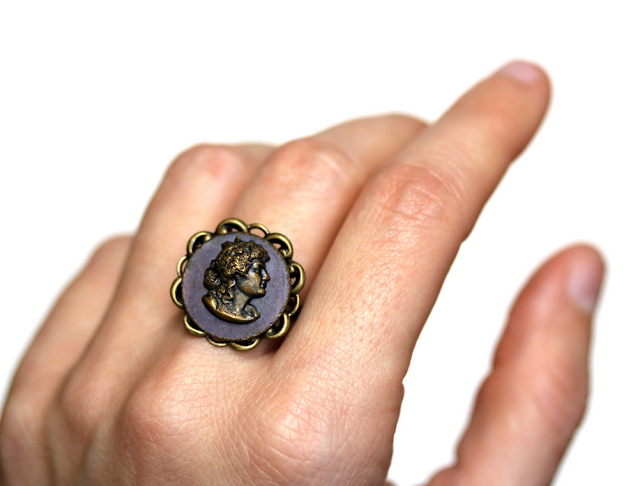 Antique Cameo Ring of Theatre Actress Sarah Bernhardt #antique #jewelry