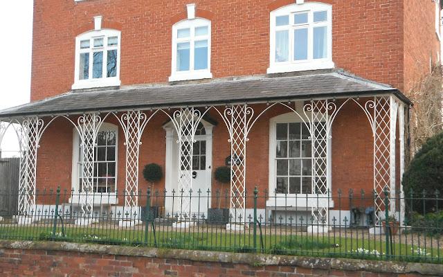 Porch in Pattingham