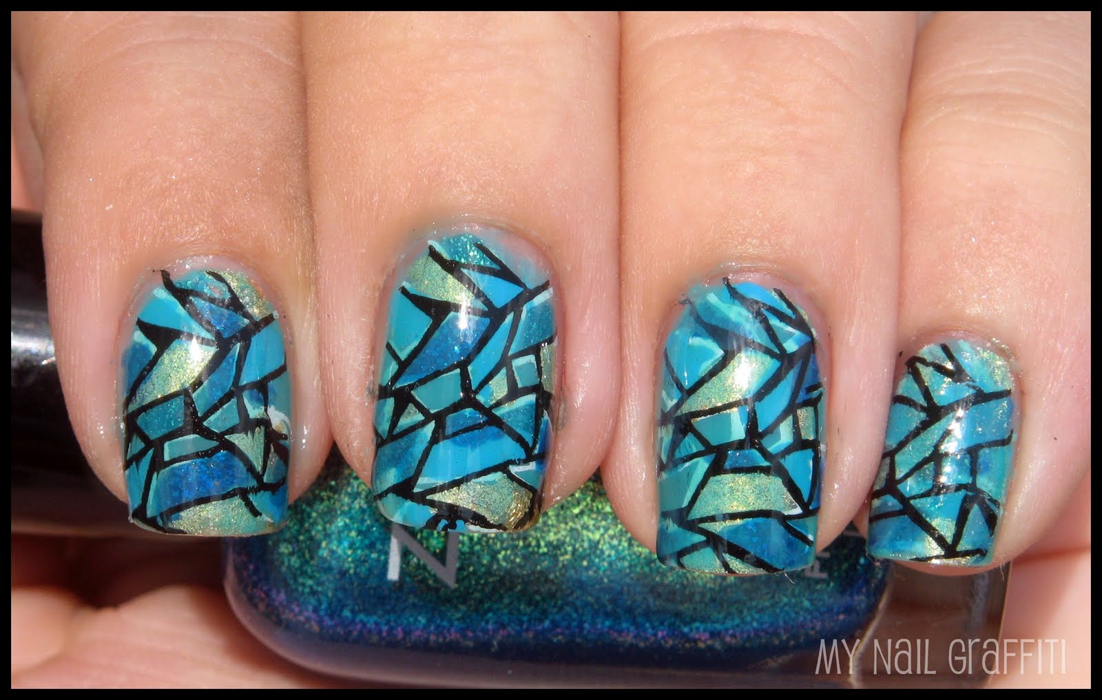 My Nail Graffiti: Blue Stained Glass Nails