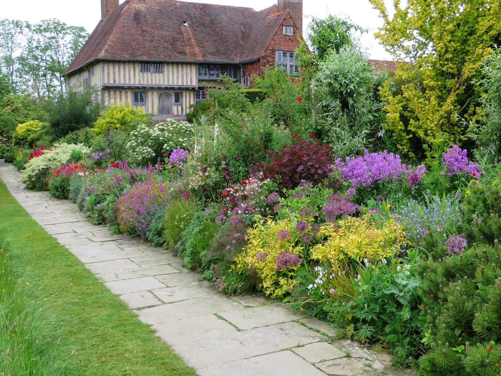The gardener 39 s eye dixter being dixter for English terrace