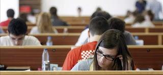 Becas algunas para estudiar y trabajar en España y el extranjero