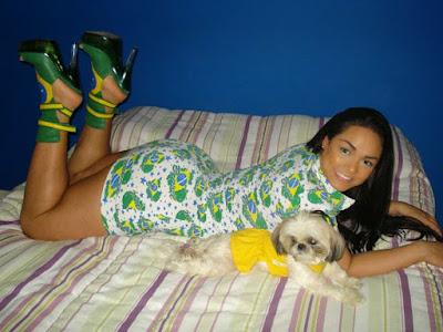 صور مثيرة للعارضة و المغنية البرازيلية اندريسا سواريز - صور بنات الوزن الثقيل