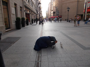 """Powerty in a """"FIRST WORLD COUNTRY"""".A lady beggar in  Budapest."""