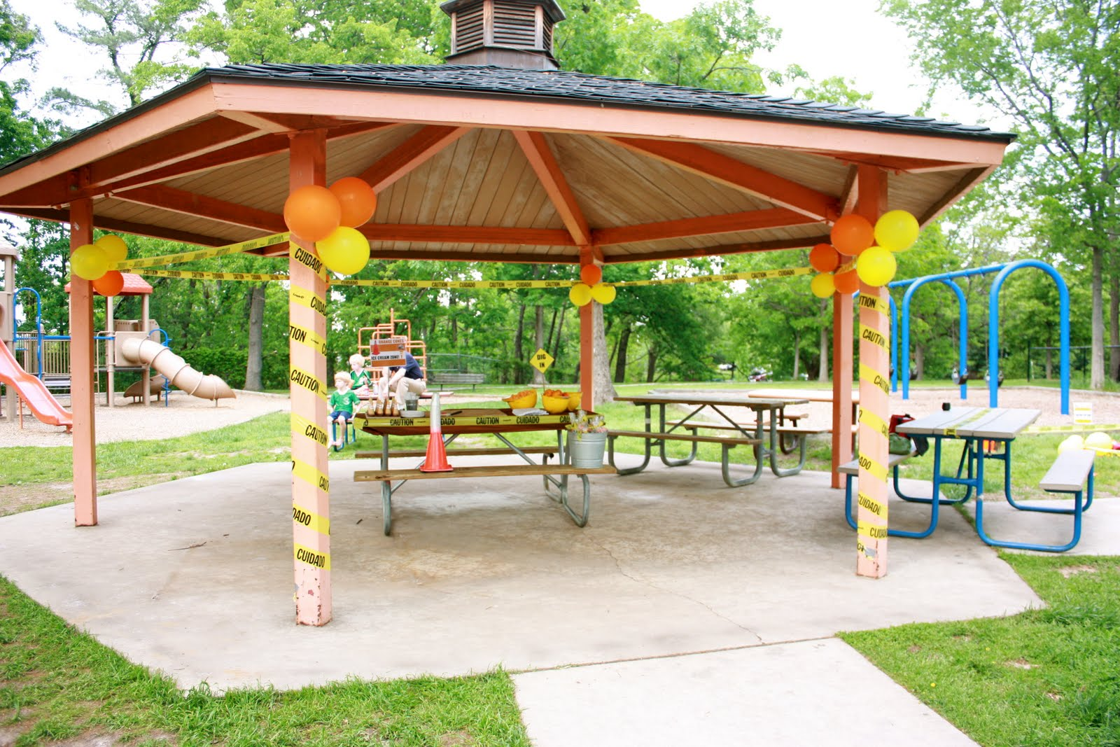 Fairlington Park Is The Perfect Shade Tables And Barbecues Playgrounds Swings For Babies To School Aged Kids A Huge Sandbox Tons Of Play Toys