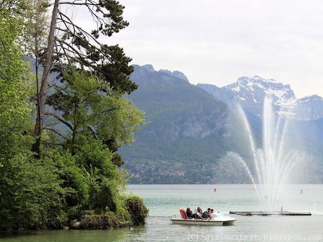 Haute Savoie, Rhônes Alpes, Lake Annecy, Canal, River, Mountains