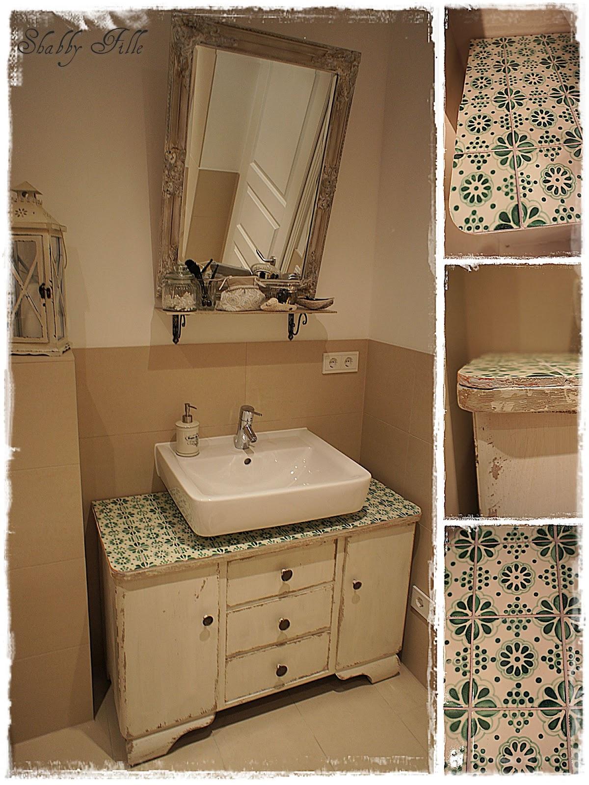 Waschbeckenunterschrank Vintage : Aufquellung #Instandsetzung #Reparatur #Beschaedigung #Schaden #