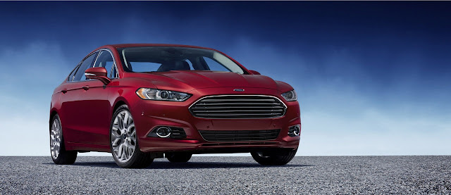 Ford Mondeo 2013 statica rossa