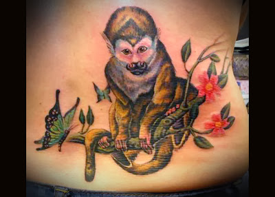 Tatuagem de Macaco nas Costas