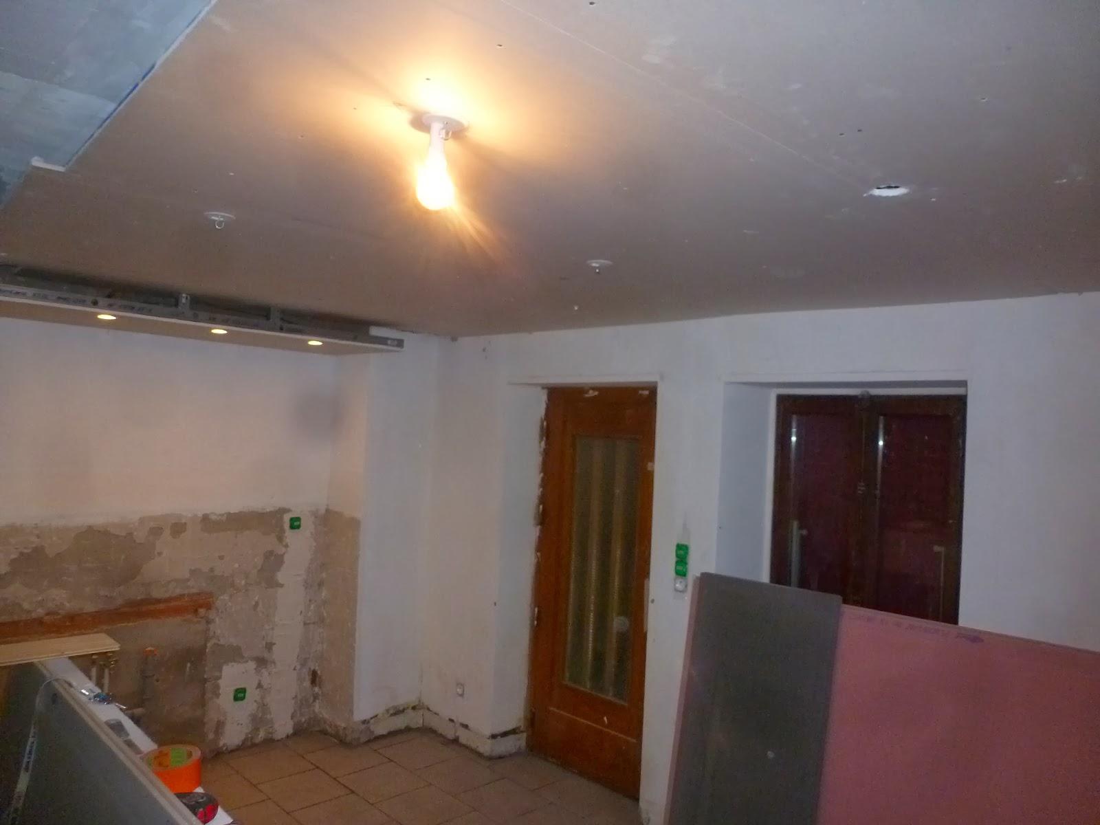 Excellent et transforme cette pice en une vrai future - Faux plafond cuisine ouverte ...