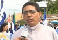 Hugo Lemus cura parroco de Olanchito
