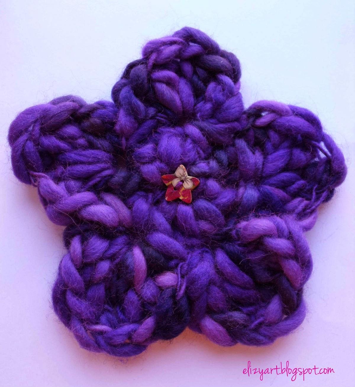 http://elizyart.blogspot.com.es/2012/11/slubby-flower-brooch.html