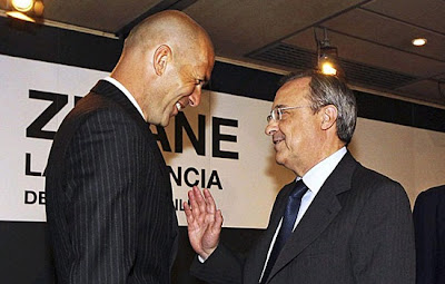 Zidane talks with Florentino Perez