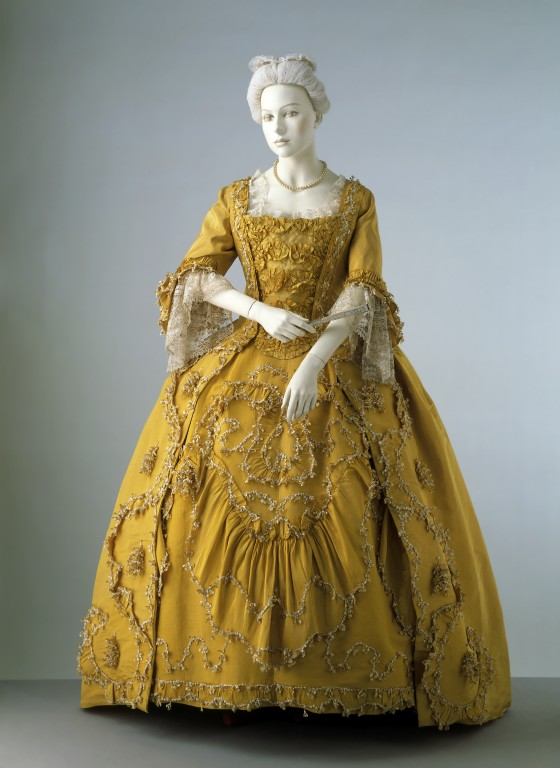 rococo period clothing