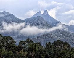 Gunung Daik :