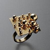 http://1.bp.blogspot.com/-MKDcytjtf44/TZXgHwtlwYI/AAAAAAAAAIQ/lUatCe3C_gw/s1600/BURY+-+Ring+1+didier+antiques.jpg