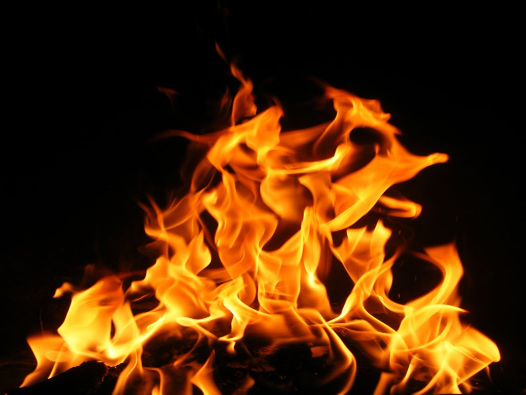 http://1.bp.blogspot.com/-MKEG5Bes42g/T6PZ8fq7YVI/AAAAAAAADMo/OiGz5a37vnk/s1600/Fire-wallpaper.jpg