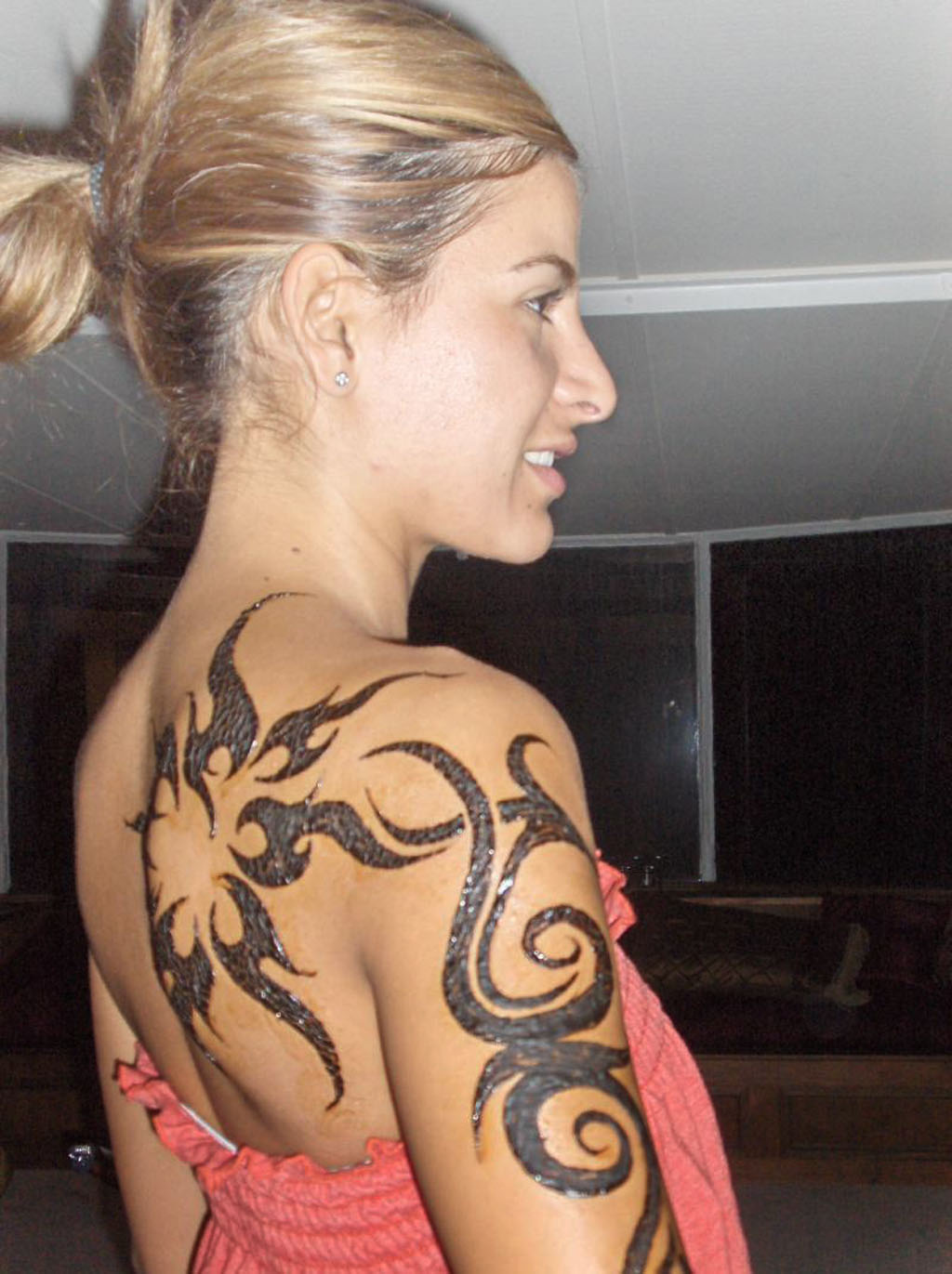 tribal shoulders tattoos for women 2013female tattoos gallery. Black Bedroom Furniture Sets. Home Design Ideas