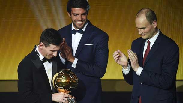 Luis Suárez explica cómo fue la entrega del Balón de Oro a Messi