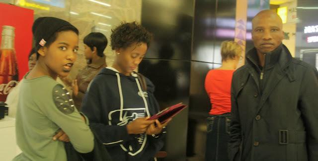 glitter daiquiri, black girl black lipstick, o.r tambo int airport, travel diary