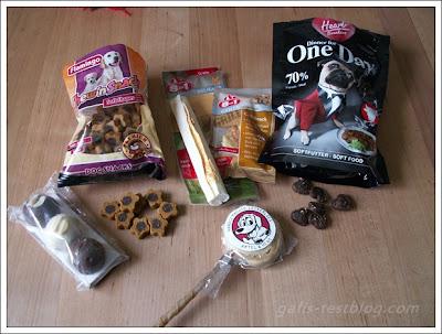 Snacks von Flamingo Kaussnacks von 8x1, Dinner für One Day und Hunde-Lollie