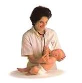 فحص عام للطفل الرضيع بعد بلوغة الإسبوع السادس، 3- السيطرة علي الرأس