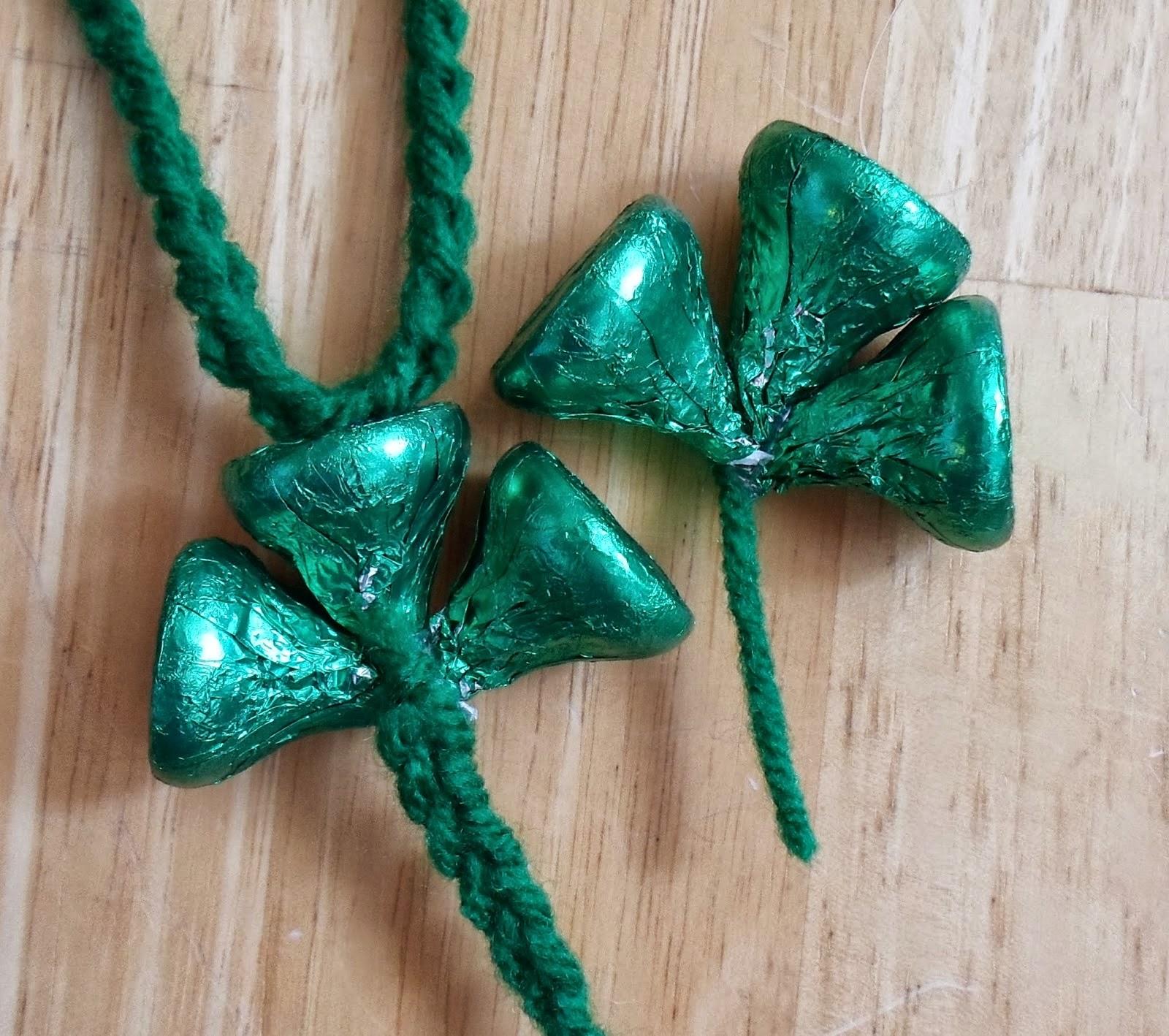 http://happierthanapiginmud.blogspot.com/2015/02/hershey-kiss-shamrock-necklace-or.html