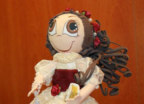 fofucha de comunión original con vestido igual al de la niña