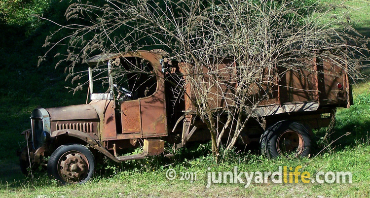 Cars In Yards Washington Reader Delivers Model A Fords 1938 Buick Austin More
