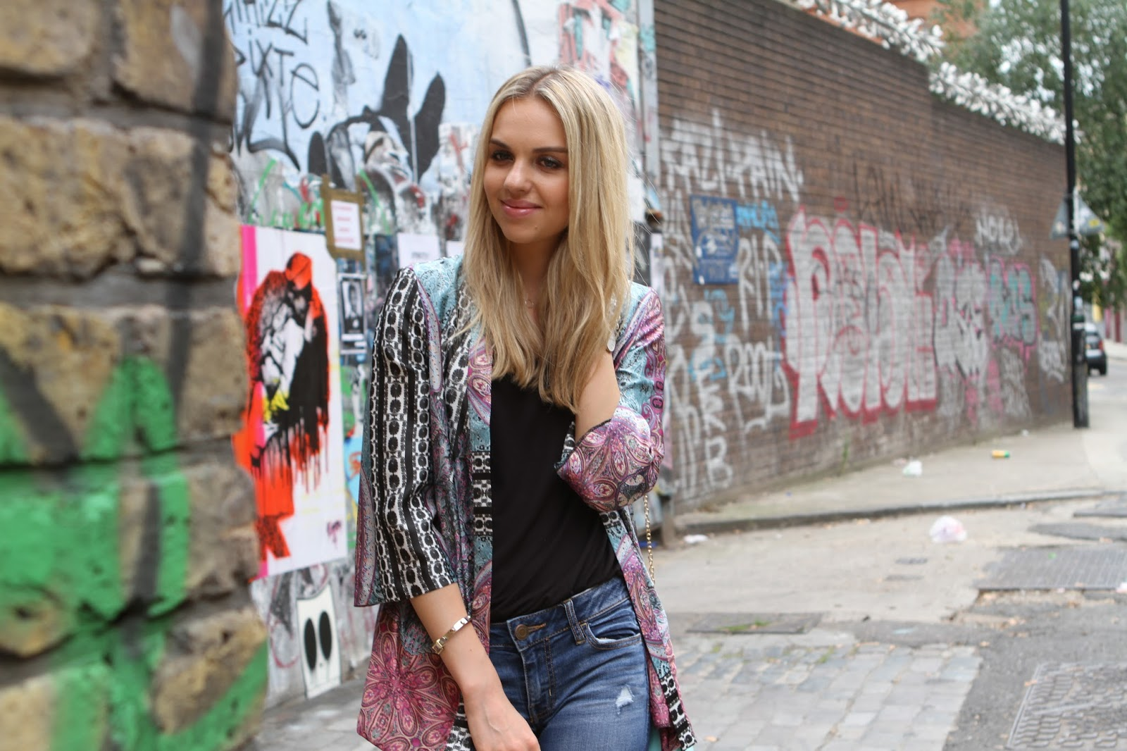 fashion blogger in shoreditch