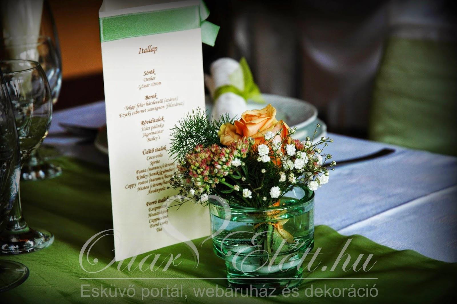 Mezei virágok pohárban menükártyával