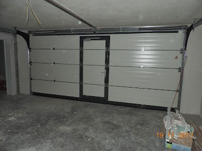 hausbau tagebuch von kathrin und kraxi elektrik fliesen und garagentor. Black Bedroom Furniture Sets. Home Design Ideas