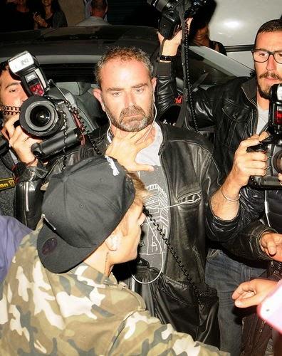Justin Bieber kicks paparazzi