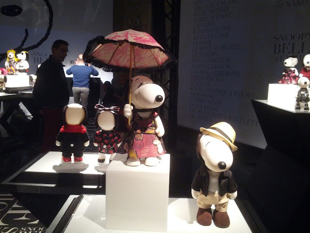 snoopy e belle in fashion mostra snoopy palazzo cubani presentazione film snoopy and friends mariafelicia magno fashion blogger color block by felym milano fashion blog italiani fashion blogger italiane blog di moda blogger italiane di moda stilisti vestono snobbi e la sorella belle