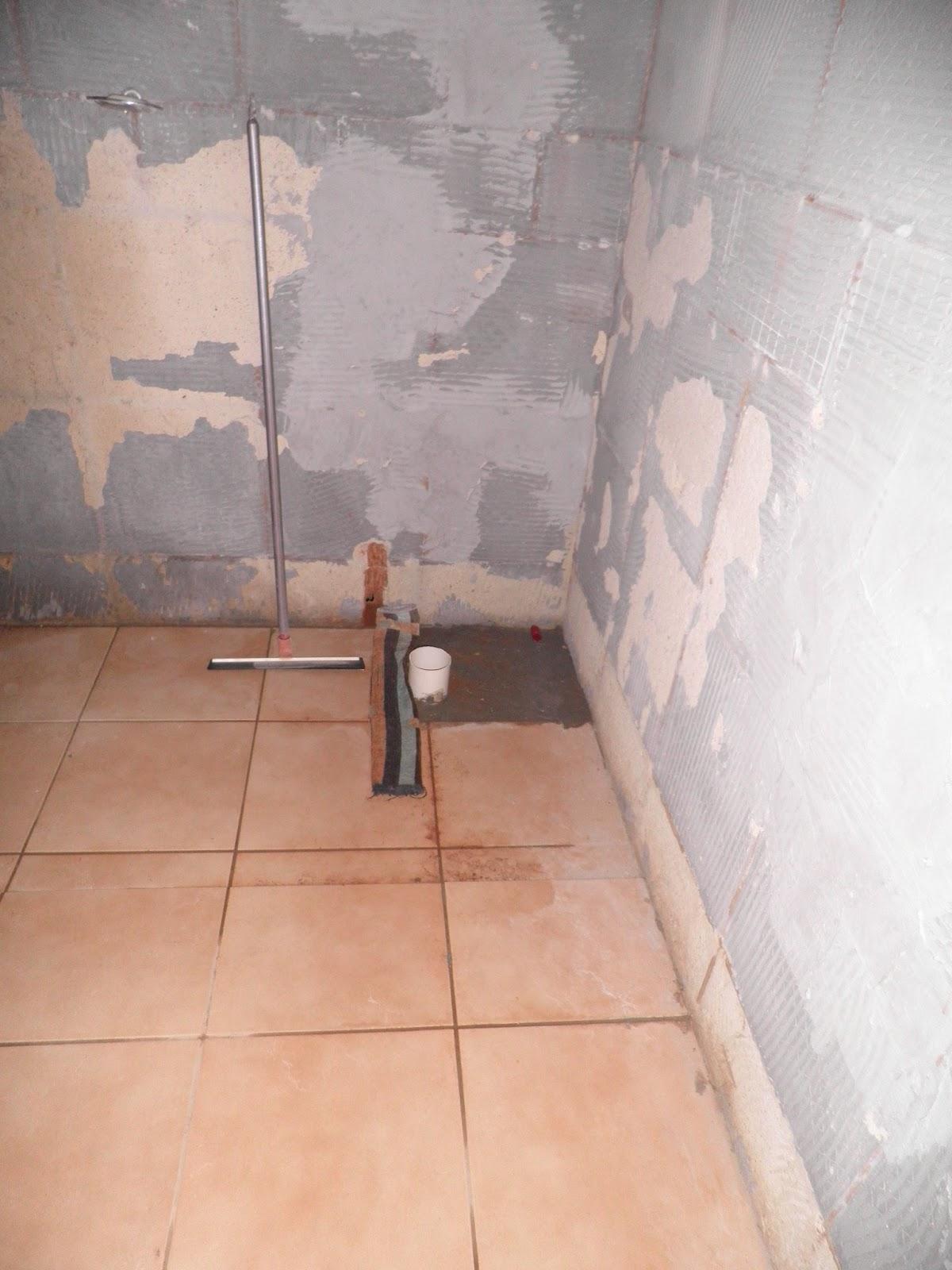 porcelanato foi assentado primeiro neste cantinho porque trocamos o  #9D552E 1200 1600