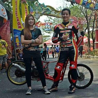 Foto Sabrina Sameh Cewek Pembalap Drag Bike Cantik
