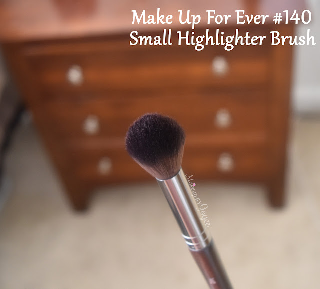 Make Up For Ever MUFE #140 Brush Review