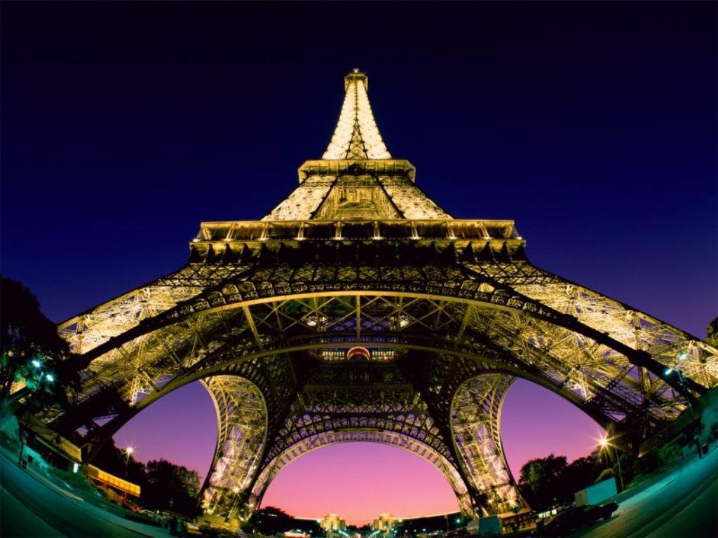 http://1.bp.blogspot.com/-MLhaqrFf4GU/TeBNh3lPcdI/AAAAAAAAECA/NfTMLddJhy8/s1600/Eiffel%2BTower%2BWallpapers%2B8.jpg